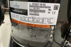 Tabliczka znamionowa sprężarki - Chiller Airwell 100 kW chłodzony wodą