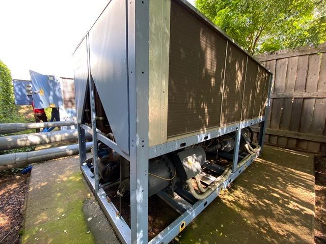 Sprzedaż przemysłowych agregatów wody lodowej Blue BoxSprzedaż przemysłowych agregatów wody lodowej Blue Box
