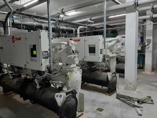 Sprzedaż przemysłowych agregatów wody lodowej