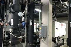 Instalacja wody lodowej wyposażona w armaturę kontrolno-pomiarową